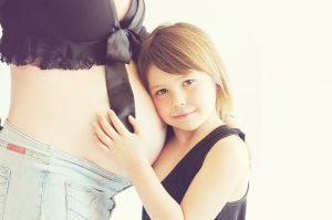 妊娠中って脱毛できる?脱毛によるお母さんと赤ちゃんへの影響とは?